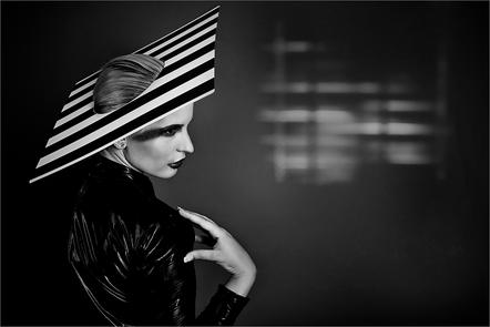 Isolde Stein-Leibold - Fashion Stripes - UPI Silver Medal - Le Catalan Salon Spanien