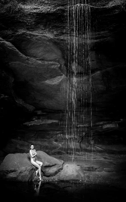 Thomas Detzner - Naked in the Cave - FIAP Urkunde - 1st Grand Serbia 2016