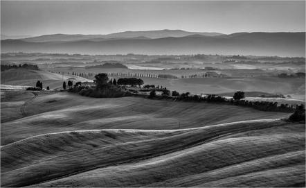 Ursula Bruder -Tuscany evening light-Salon HM-Tuzla circuit 2015